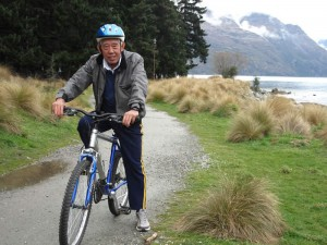AS Toh cycling in New Zealand. He loves visiting new places and meeting different types of people. - Photo copyright AS Toh