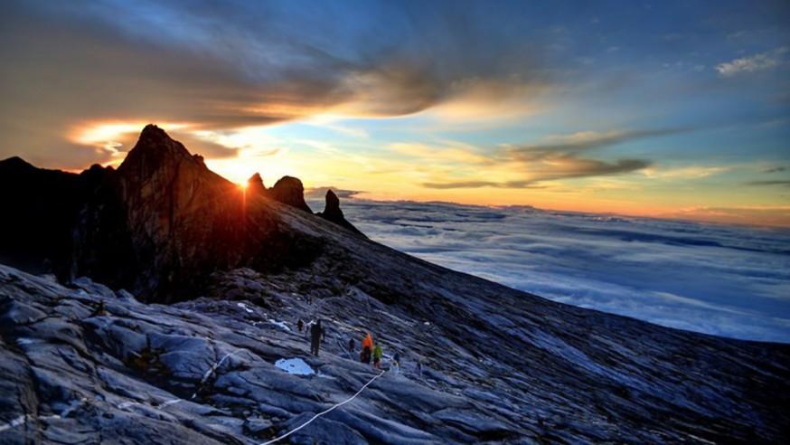 登上神山巅峰