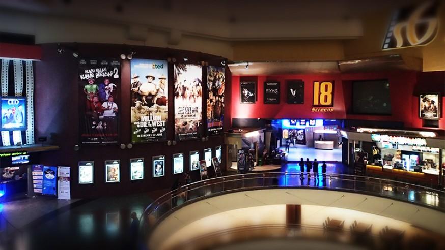带父母去看场电影