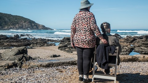 照护者的故事:我照护我前夫的母亲