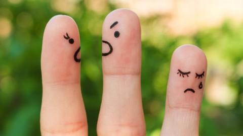 财务关怀:如何处理因老年父母而起的家庭纠纷